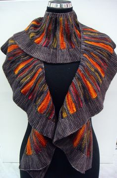 Based in our family yarn shop (www.nl), this is a place for me, my colleagues, customers and friends to share their knitting and other handicraft work with the world. Crochet Shawls And Wraps, Knitted Shawls, Crochet Scarves, Knitting Paterns, Lace Knitting, Plaid Crochet, Knit Crochet, Shawl Patterns, Crochet Patterns