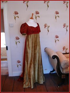 dress in Jane Austen House Museum