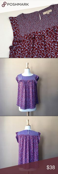 Beautiful LOFT sleeveless flowy top Beautiful LOFT sleeveless flowy top, with abstract floral print, lilac & burgundy colors, Size Medium, Bust 19inches, Length: 24inches 100% polyester Perfect with jeans or for an office outfit LOFT Tops