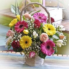 """Spring basket"" Una original cesta formada por rosas, tulipanes, gerberas, fresias, paniculata y verdes decorativos. Basket Flower Arrangements, Floral Arrangements, Easter Flowers, Spring Flowers, Exotic Flowers, Beautiful Flowers, Grave Flowers, Gladiolus Flower, Deco Table"