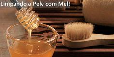 """Eu adoro mel e super acho que dá pra dar um """"trato"""" na pele e no cabelo com produtos que a gente tem em casa, bem no estilo receitinha caseira, sabe? Como mel nunca falta aqui em casa, vivo usando os """"tubinhos"""" em receitas caseiras e resolvi compartilhar as que gosto. Antes de passar a …"""