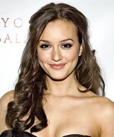 Leighton Meester from Gossip Girl is here. A nice article about her hairstyles and many photos. Check them in the page.