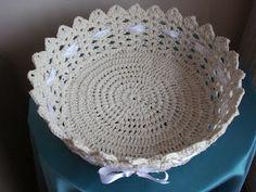Tricochetando com amor: Cesta branca de crochê endurecido (grande)