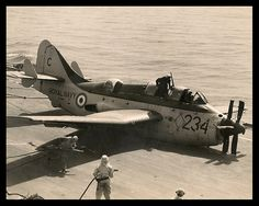 Fairy Gannet crash on deck. Ww2 Aircraft, Military Aircraft, Qantas Airlines, Royal Navy Aircraft Carriers, Aviation Accidents, Capital Ship, Experimental Aircraft, Fighter Jets, Scrap