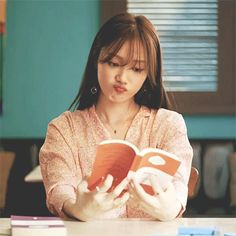 illusion - il·lu·sion - a thing that is or is likely to be wrongly perceived or interpreted by the senses. Doctors Korean Drama, Korean Drama Movies, Gong Seung Yeon, Lee Sung Kyung, Korean Actresses, Korean Actors, Actors & Actresses, Artist Aesthetic, Weightlifting Fairy Kim Bok Joo
