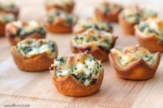 Spinach Dip Bites Must try Thanksgiving appetizer ideas to try this year. Easy appetizers, finger foods, hot appetizers, cold appetizers and everything in between. Find the best Thanksgiving appetizers for a crowd here! Cold Appetizers, Appetizer Dips, Appetizers For Party, Appetizer Recipes, Snacks Für Party, Game Night Snacks, Appetisers, Finger Foods, Food To Make