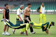 Mibah ul Haq ( shirtless 42 yrs old ) and other pakistani crickters are doing practicing in Qadafi Staduim Lahre