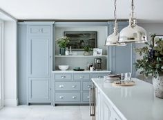 Classic English Kitchen | Chichester Collection | Neptune