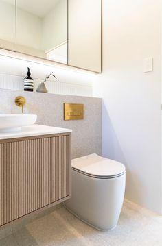 Brass Bathroom, Bathroom Renos, Bathroom Inspo, Bathroom Renovations, Bathroom Inspiration, Bathroom Storage, Upstairs Bathrooms, Dream Bathrooms, Beautiful Bathrooms