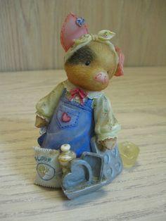Enesco Figurine This little Piggy I love Bacon Designer Mary Rhyner-Naig 1997