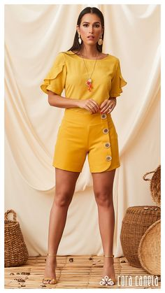 LOOKBOOK 3 – Cora Canela Short Outfits, Trendy Outfits, Sleeves Designs For Dresses, Short Suit, Latest African Fashion Dresses, Girls Blouse, Fashion Pants, Fashion Outfits, Chor