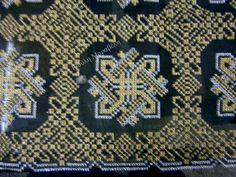 Αριστοκρατικό μαύρο με χρυσές και ασημί βελονιές. Γιούλη Μαραβέλη-Χαλκίδα.Τηλ:22210 74152. Beaded Embroidery, Embroidery Stitches, Stitch Design, Needlepoint, Cross Stitch Patterns, Mandala, Applique, Projects To Try, Traditional