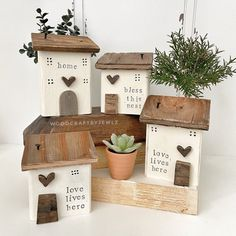 Crafts To Do, Diy Crafts, Home Themes, Driftwood Crafts, Timber House, Wooden Art, Tray Decor, Shabby, Little Houses