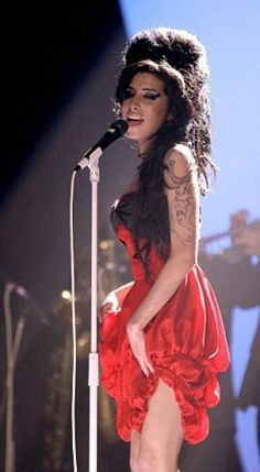 Amy Winehouse had this crazy sex appeal on stage... She made you feel everything she sang. I envy that about her.