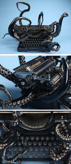 Lovecraft's typewriter?