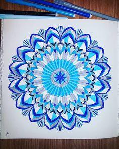 #colorsplash #colouringbook #colorful #colorrun #colors #beautiful #flowerstagram #floweroftheday #flowerporn #instadraw #instalike #instagood #instadaily #work #goodjob #popularpic #popular #art #artistic #artamateur #great #blue #combinations #bluecolor
