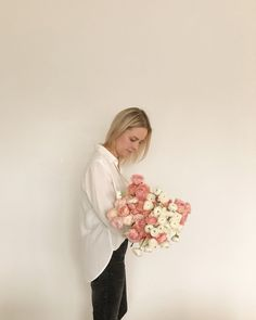 White blouse and black jeans + arms full of flowers = just a basic Tuesday Mom Style, Capsule Wardrobe, Tuesday, Short Hair Styles, Black Jeans, Arms, Tulle, Blouse, Skirts