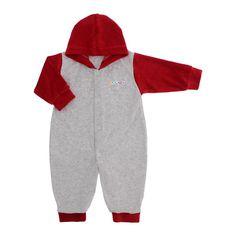 Macacão longo com capuz confeccionado em plush macio e confortável, possui botões de pressão no corpo e pernas que facilita na hora de vestir, o capuz ótimo para proteger a cabeça do bebê mantendo-o quentinho e aquecido. Possui também lindos apliques com tema para meninos e meninas. ' 'OBS - OS APLIQUESSÃO SORTIDOS NÃO SENDO POSSÍVEL A ESCOLHA DO DESENHO. ' 'Tecido: 'Plush 80% algodão e 20% poliéster ' 'Tabela de Medidas: ' ' 'Tamanho '  Ida...