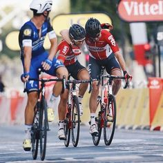 Lotto Soudal riders celebrate the victory of Greipel on the Champs-Elysée TDF2016