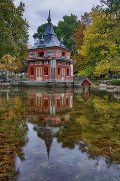 Casita del Pescador in El Retiro, Madrid | Spain (by ces@r_)