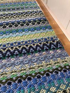Inkle Loom, Rag Rugs, Weaving Patterns, Recycled Fabric, Yoko, Woven Rug, Rug Making, Scandinavian Style, Floor Rugs