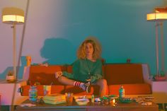 Laneway 2017 artist Glass Animals have released a music video for new single, 'Season 2 Episode - the latest to be lifted from their 'How To Be A Human Being' album - which is inspired by retro and video gam Melani Arce Kasimir Und Karoline, The Wombats, 80s Aesthetic, How To Be Aesthetic, Glass Animals, Art Inspo, Portrait Photography, Music Videos, Artsy