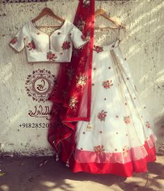 Lehengas - Buy Designer Lehenga Cholis & Ghagra choli with Upto Off - IndiaRush Indian Bridal Lehenga, Indian Sarees, Indian Dresses, Indian Outfits, Lehnga Dress, Lehenga Top, Lehenga Skirt, Pink Lehenga, Indian Wedding Wear