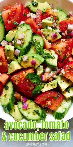 This avocado, tomato and cucumber salad is full of bright summer flavors. The Italian-inspired dressing makes this salad so good, its almost addictive. Avocado Tomato Salad, Cucumber Avocado Salad, Avocado Toast, Avocado Salad Recipes, Avocado Salat, Pasta Salad Recipes, Healthy Salad Recipes, Healthy Snacks, Healthy Eating