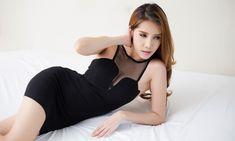 หุ่นสวยสมบูรณ์แบบในหนึ่งนาที. เมื่อวานนี้ฉันถูกเรียกว่าเป็นหนึ่งในห้า สาวที่เซ็กซี่ที่สุดในประเทศไทย ฉันไม่อยากจะเชื่อเล...