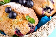 These healthy blueberry oatmeal muffins are gluten free dairy free and filled with delicious Fall spices. Oatmeal Blueberry Muffins Healthy, Healthy Muffins, Healthy Desserts, Dessert Recipes, Eat Healthy, Quick Healthy Breakfast, Diabetic Breakfast, Lemon Cheesecake Bars, Simply Taralynn