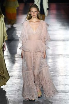 Alberta Ferretti Spring 2019 Ready-to-Wear Collection - Vogue