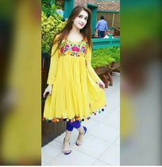 Sanam Baloch in Pakistani tv drama Pakistani Fashion Casual, Pakistani Dress Design, Pakistani Outfits, Simple Outfits, Simple Dresses, Beautiful Dresses, Gorgeous Dress, Afghan Clothes, Afghan Dresses
