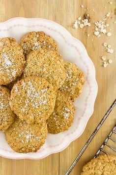 RECETA CASERA | Aprende a hacer unas ricas galletas de avena y coco veganas. El coco combina muy bien con la avena. Salen muy ricas y son fáciles de hacer.