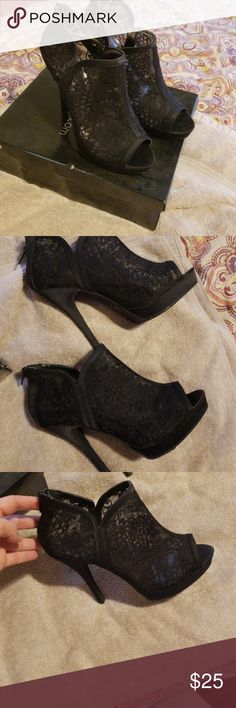 bd6f2877ba9 Shop Women s Deb Black size 8 Shoes at a discounted price at Poshmark.