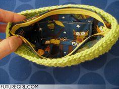 futuregirl craft blog : Tutorial: Make a Zippered Lining for the Lucky Wristlet
