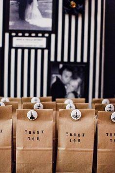 El recuerdo de boda que tu elijas debe plasmar el estilo de la boda y de los novios | 7 ideas de recuerdos para bodas