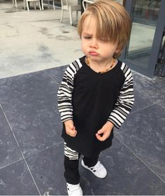 Cute Little Baby, Baby Kind, Little Babies, Baby Love, Cute Kids Pics, Cute Baby Pictures, Cute Boys, Cute Baby Boy Outfits, Cute Baby Clothes