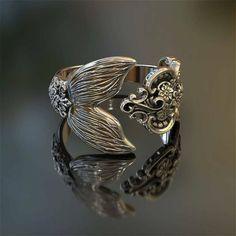 Love these kind of rings! #mermaid