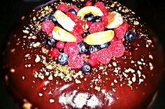 Chocolate cake whit caramel cream Italian Recipes, Chocolate Cake, Acai Bowl, Caramel, Breakfast, Kitchen, Rome, Chocolate Pound Cake, Baking Center