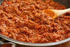 Skinny Sloppy Joes | Skinnytaste-  I think I will use ground turkey instead though, and also add some sweetness (as I like a sweet and tangy sauce) at the end by putting in 2 tbsp of brown sugar.