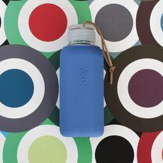 SQUIREME GLASS BOTTLE Y1 TRUE BLUE – Kladi Glass Bottles, Water Bottle, Drinks, Blue, Drinking, Beverages, Water Bottles, Drink, Beverage