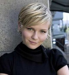 Blonde-Pixie-Haircut-for-Round-Face