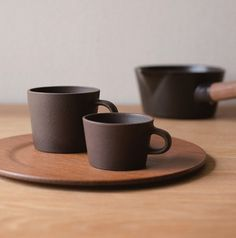 Brown Kuori Espresso Cup & Mug Cup Pottery Mugs, Ceramic Pottery, Mugs And Jugs, Coffee Shop Design, Cool Mugs, Espresso Cups, Ceramic Design, Ceramic Cups, Coffee Love