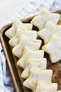 The BEST Lemon Shortbread cookies. These cookies are iced with a delicious lemon icing & are buttery, soft, and delicious- perfect for any time of the year! Best Shortbread Cookie Recipe, Shortbread Cookies With Icing, Homemade Shortbread, Lemon Cookies, Iced Cookies, Fun Cookies, Cookie Recipes, Lemon Cookie Recipe, Christmas Shortbread Cookies