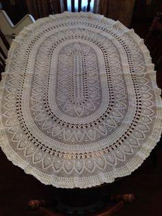 Oval Tablecloth Thread Crochet, Filet Crochet, Easy Crochet, Knit Crochet, Crochet Table Mat, Crochet Tablecloth Pattern, Crochet Patterns, Lace Doilies, Crochet Doilies