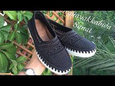 Crochet Shoes Pattern, Shoe Pattern, Crochet Slippers, Crochet Patterns, Plushie Patterns, Crochet Videos, Diy Crochet, Black Flats, Dress Shoes