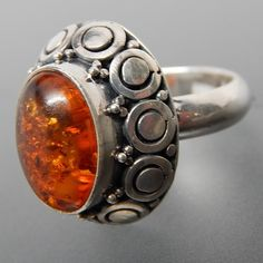 OVAL AMBER CIRCLES BEADS HIGH SETTING STERLING SILVER RING - SIZE 6 #amber #silver-rings #vintage-silver-rings