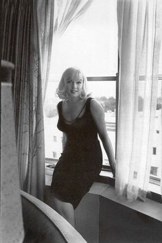 Marilyn Monroe 1960 in Reno, Nevada at The Mapes Hotel by Inge Morath