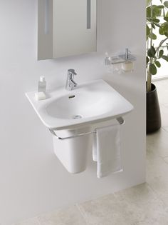 Compact washbasin from Palace by Laufen with integrated towel rail and accessories Bathroom Suite, Towel Rail, Wash Basin, Bathroom Furniture, Bathroom Layout, Complete Bathrooms, Bathroom, Laufen Bathroom, Bathroom Accessories