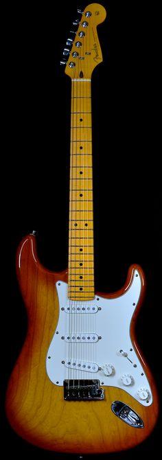 Wild West Guitars : Fender Custom Deluxe Stratocaster Tobacco Sunburst
